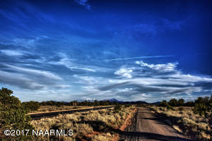 920 S Linger Rd, Valle, AZ 86046