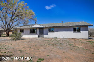 7749 E Moonbeam Drive, Flagstaff, AZ 86004
