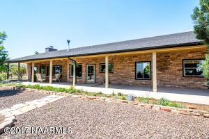 8320 Caballo Way, Flagstaff, AZ 86004