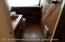 Rustic decor in upstairs 1/2 bath off loft