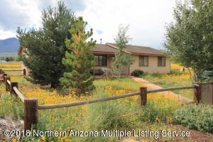 Country home on 2.14 acres. Forest service accessible