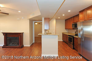 1385 W University Avenue, 4-131, Flagstaff, AZ 86001