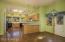 Inviting Kitchen w/Dining & Breakfast Bar