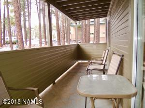 Lower End Unit surrounded by Ponderosa Pines!