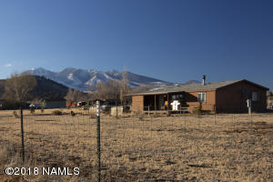 Fenced & Gated with Wonderful Mountain Views!
