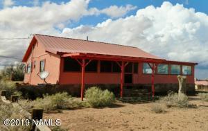 101 S Desert Hills Drive, Winslow, AZ 86047