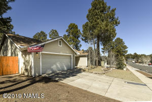 4 bedrooms and 2 baths in Presidio. Close to NAU and Downtown