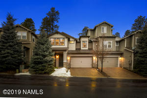 Lovely Luxury Townhome