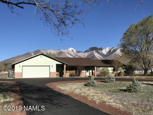 11040 N Rodeo Road. Immaculate home where the owners have thought of everything!
