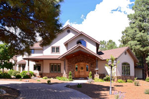 7050 Oakwood Pines Drive, Flagstaff, AZ 86004