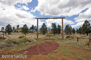 21034 N Summit Drive, Flagstaff, AZ 86001