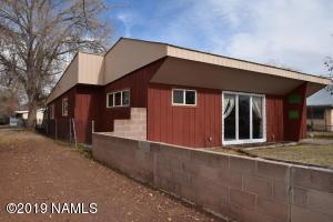 608 W Buffalo Street, Holbrook, AZ 86025