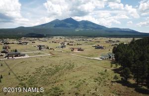 8321 W Roundup Trail, Flagstaff, AZ 86001
