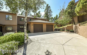Very Private Townhome with Attached Garage!