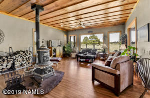 3452 N Spring Valley Road, Parks, AZ 86018