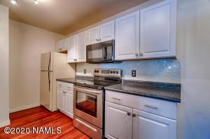 1385 W University Avenue, Flagstaff, AZ 86001
