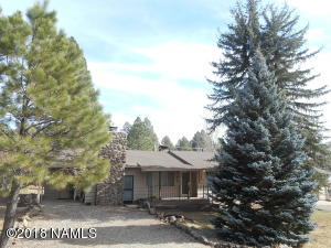 555 Stringer Road, Munds Park, AZ 86017