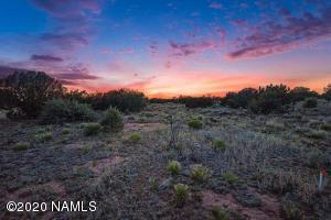 3818 E Valencia Road, Williams, AZ 86046