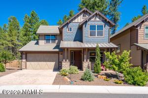 Gorgeous Home Backing Greenbelt!