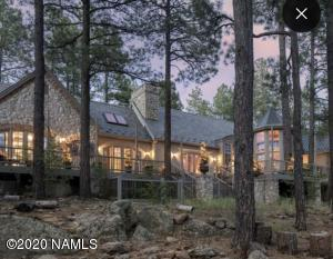 Extraordinary Home backing the Golf Course!