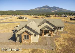 8525 Ranch At The Peaks Way, Flagstaff, AZ 86001