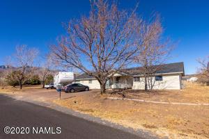 5965 Buckboard Trail, Flagstaff, AZ 86004