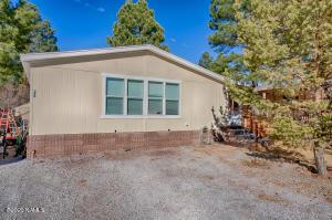 390 E Oak Drive, Munds Park, AZ 86017