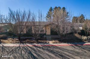 1863 W Shellie Drive, Flagstaff, AZ 86001