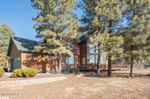 25 E Apache Road, Munds Park, AZ 86017