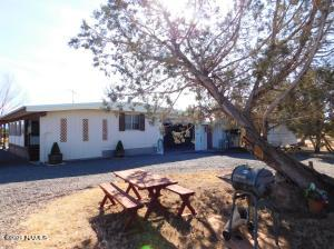 1448 W Canyon Road, Ash Fork, AZ 86320