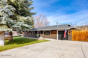 818 W Meade Lane, Flagstaff, AZ 86001