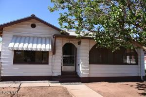 415 W Oak Street, Winslow, AZ 86047