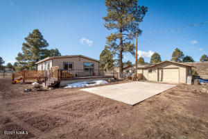 318 S Kaibab Avenue, Parks, AZ 86018