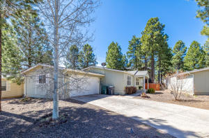 2411 W Rock Island Avenue, Flagstaff, AZ 86001