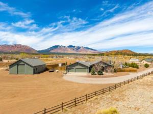 8176 Lookout View Trail, Flagstaff, AZ 86004