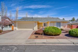 6886 E Eagle Crest Drive, Flagstaff, AZ 86004