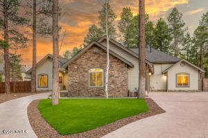 2113 W University Avenue, Flagstaff, AZ 86001