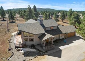 Lots or room to roam on 12.7 acres with private well!