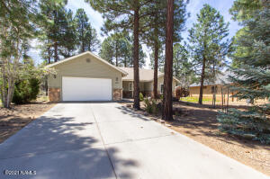 2137 W University Avenue, Flagstaff, AZ 86001