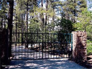 1430 E Puma Place, Munds Park, AZ 86017