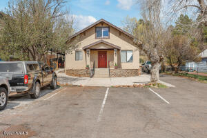6 E Terrace Avenue, Flagstaff, AZ 86001