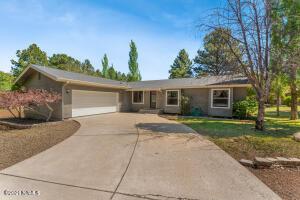 3780 E Ramble Wood Drive, Flagstaff, AZ 86004