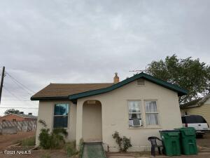 909 N Williamson Avenue, Winslow, AZ 86047