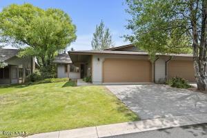 6430 E Willow Loop, Flagstaff, AZ 86004