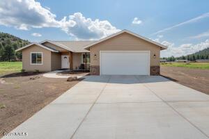 10465 Fw Mcclure Road, Flagstaff, AZ 86004