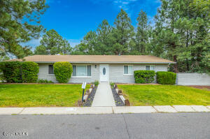 818 E Crestview Avenue, Flagstaff, AZ 86001