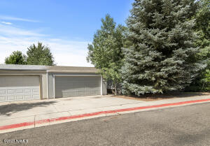 1671 W Shellie Drive, Flagstaff, AZ 86001