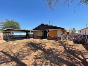 716 W Oak Street, Winslow, AZ 86047