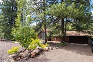 17350 S Mescalero Drive, Munds Park, AZ 86017