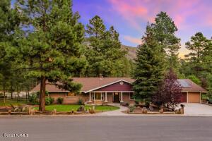 3714 N Paradise Road, Flagstaff, AZ 86004